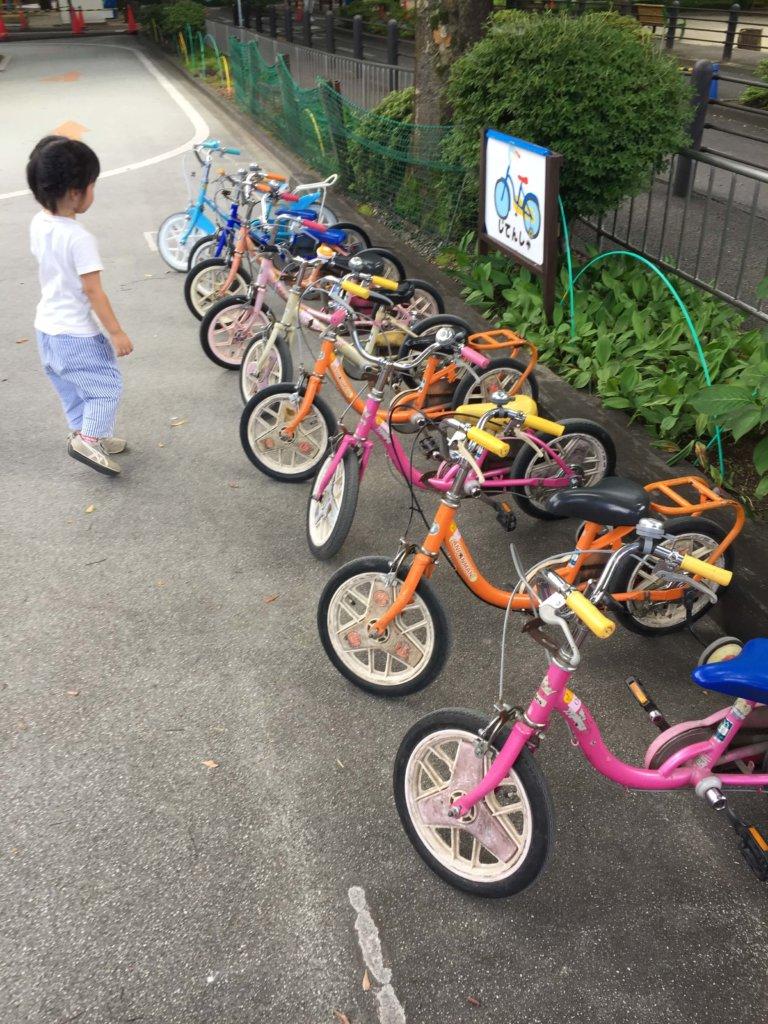 交通公園の幼児用自転車
