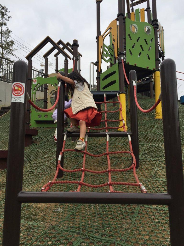 広町みらい公園のアスレチック(ロープ)