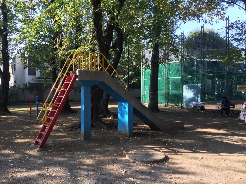 阿佐ヶ谷にしはら公園の滑り台