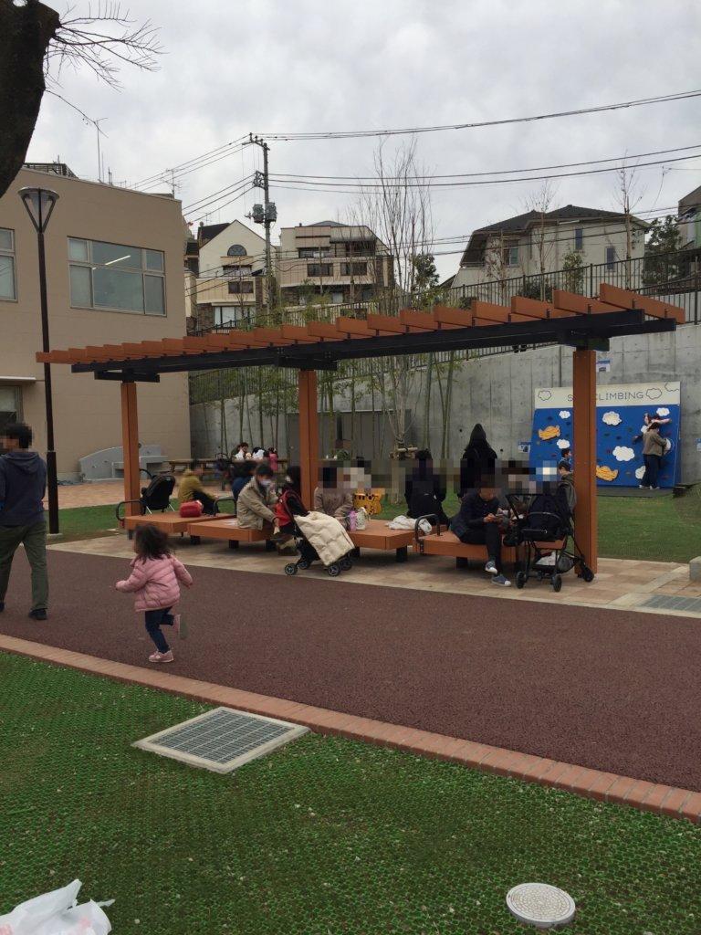 広町みらい公園のベンチ