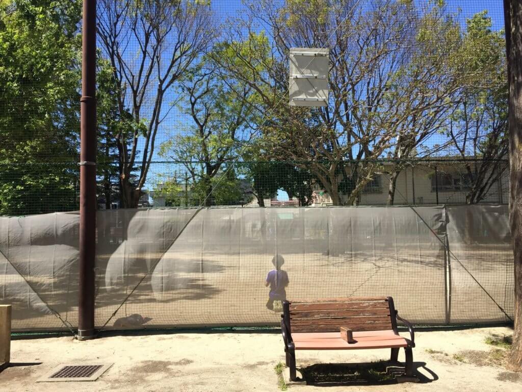 阿佐谷東公園のボール遊びスペース